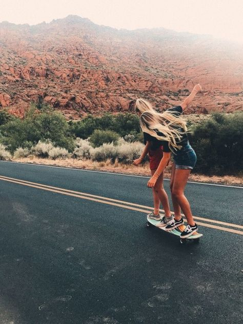 See more of aspenhickman's content on VSCO. Skateboard Pictures, Skateboard Girl, Cute Friend Pictures, Best Friend Pictures, Friend Pics, Surfergirl Style, Summer Vibe, Best Friend Photography, Skate Girl