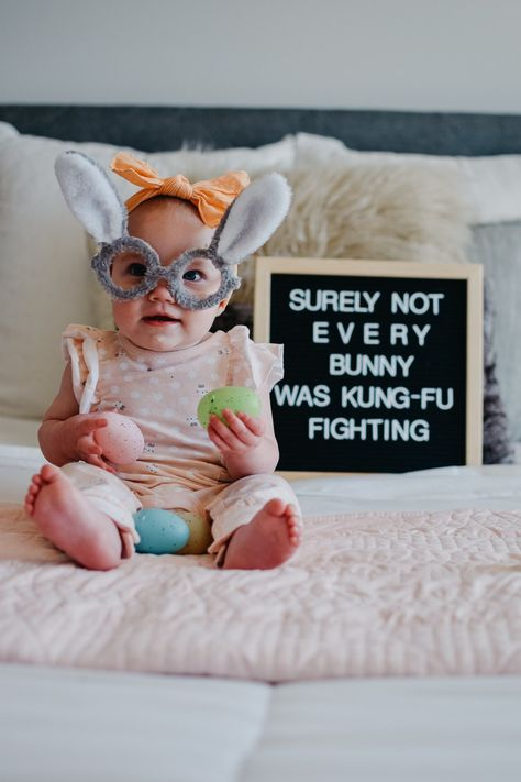Monthly Baby Photos, Monthly Pictures, Funny Baby Pictures, Newborn Pictures, Easter Pictures For Babies, 6 Month Baby Picture Ideas, Milestone Pictures, Baby Letters, Picture Letters