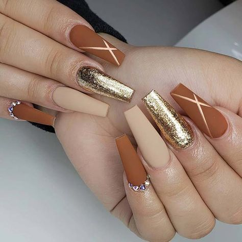Matte Coffin Nail Design for Fall If you love matte nails, then you are in for a treat because we've collected some of the best matte nail designs to inspire you! Check them out! Matte Nail Art, Coffin Nails Matte, Aycrlic Nails, Fall Acrylic Nails, Glam Nails, Acrylic Nail Designs, Diy Nails, Autumn Nails, Fall Nail Art
