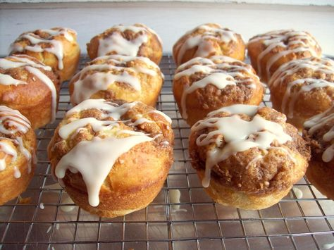 Grab your favorite baking #glutenfree flour blend for these easy Cinnamon Buns!