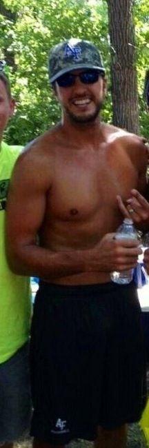 Luke Bryan makes sweating look Sexy.