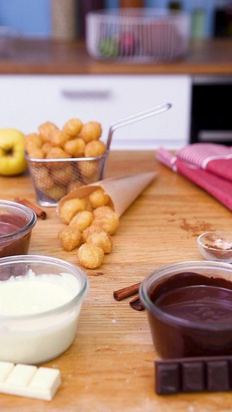 Craquez pour nos churros bombs aux trois chocolats, à savourer bien chauds !
