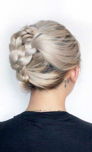 Try Easy Chic Updos - Platinum Blonde Inspiration: Easy Styling Ideas To Try This Summer - Photos