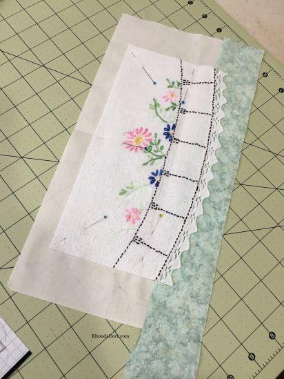Vintage Linens Quilt a Tutorial, Part Quilting Tips, Quilting Tutorials, Quilting Projects, Quilting Designs, Sewing Projects, Sewing Ideas, Sewing Tips, Vintage Textiles, Vintage Quilts