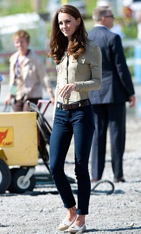 Kate Middleton - love her style. Love this picture for Kate Middleton.