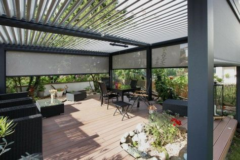 terrasse composite avec pergola bioclimatique Biossun