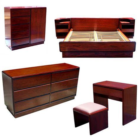Seven Piece Brouer Rosewood Bedroom Set 1stdibs Com Vintage Bedroom Sets Bedroom Vintage Bedroom Sets
