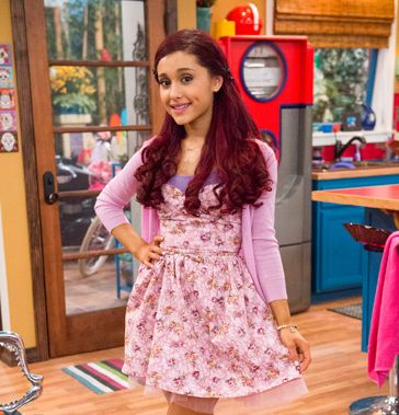 'Sam & Cat': Ariana Grande and Jennette McCurdy grow into their 'jellybean' and 'biker' style Cat Valentine Victorious, Victorious Cat, Sam And Cat, Ariana Grande Victorious, Ariana Grande Cat, Icarly, Jason Derulo, Jessie J, Mac Miller