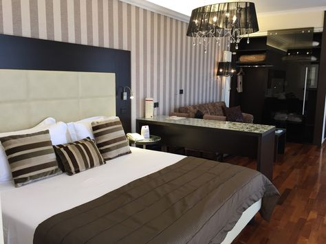 Letto Matrimoniale A Bologna.Junior Suite Hotel Bologna 3 People 4th Floor 1 Queen Size
