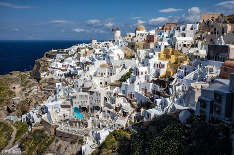 Two Amazing Spots to Watch the Sunset in Oia, Santorini
