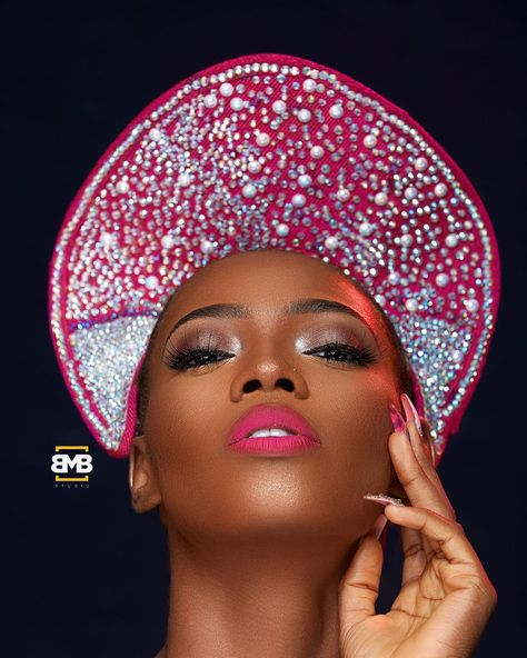 """BMBSTUDIO on Instagram: """"2018 is going to be a BANG !!!! 🔥 🔥 🔥 Asoebi girls this is the first you have ever seen . THE BEADED ASOOKE HEAD GEAR Classic and Avant…"""""""