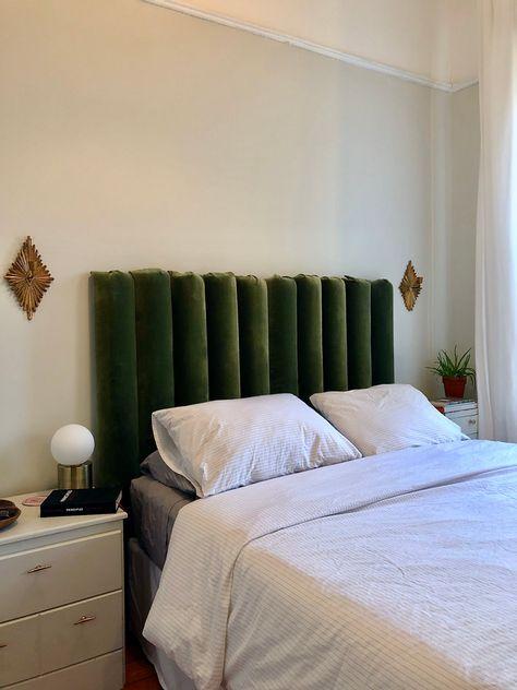 Diy Tufted Headboard, Custom Headboard, Velvet Headboard, Headboards For Beds, Plywood Headboard Diy, Bed Headboard Design, Tufted Bed, Home Bedroom, Bedroom Decor