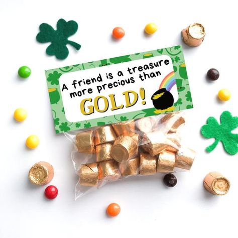 A Friend is a Treasures Bag Topper - Leprechaun Gold Bag Topper - St. Patr patricks day treats from leprechaun Valentine Treats, Valentine Day Cards, Valentines Diy, Leprechaun Gold, St Patrick Day Treats, School Treats, Bag Toppers, Treat Bags, Printable Cards