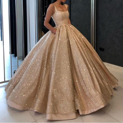 """alinanova offical 在 Instagram 发布:""""gold ballgown  fashion  couture  gowns   luxurylifestyle"""" e600f48c0"""