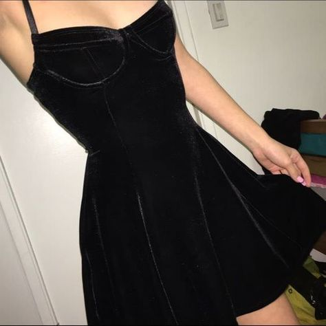 LOVE Prom Dresses American Apparel Black Velvet Bustier Dress Brand new with tags perfect condition. Cheaper thru pp or merc American Apparel Dresses Mode Hipster, Velvet Dress Designs, Look Fashion, Fashion Outfits, Fashion Goth, Skater Fashion, Dress Fashion, Velvet Fashion, Fashion Shoes