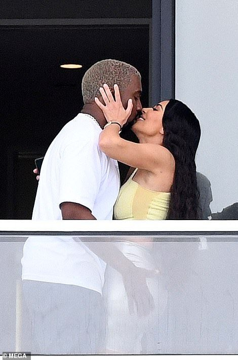 Kim Kardashian And Kanye West Enjoy Embrace At Their 14 Million