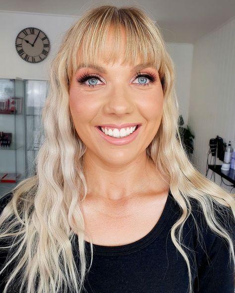 "CHANTAL HART / HAIR / MAKEUP on Instagram: ""Holy blue eyes.🌊🌊🌊 Is she even real? #babeoftheday #makeupbyme @chantalhartmua"""