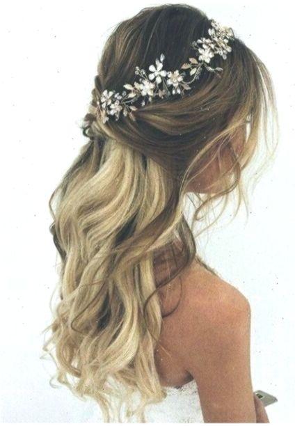 Half Up Half Down Wedding Hairstyles With Vine Headband Weddinghairstyles Hair Hochzeitsfrisur Wedding Hair Side Wedding Hair Inspiration Wedding Hair Down
