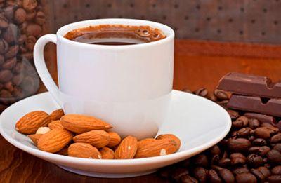 طريقة عمل قهوة اللوز بالحليب سهلة التحضير Chocolate Almonds Coffee Recipes Sugar Free Recipes