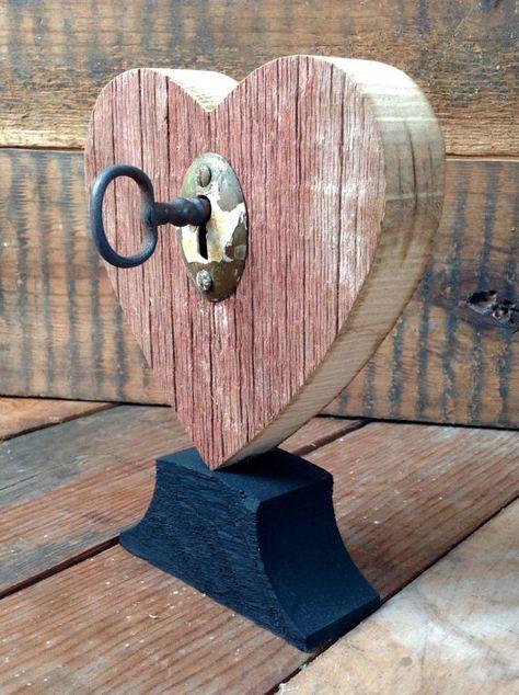 Rustic Heart W Vintage Key Barnwood Home Country Style Etsy Vintage Keys Barn Wood Old Wood
