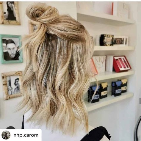 14 Brilliant Rainy Day Hairstyles (That Will Help You Survive Spring) Half buns are perfect for rain Rainy Day Hairstyles, Cute Hairstyles For Medium Hair, Short Bob Hairstyles, Prom Hairstyles, School Hairstyles, Office Hairstyles, Anime Hairstyles, Stylish Hairstyles, Blonde Hairstyles