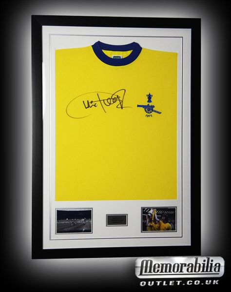 Hand signed Charlie George 1971 FA cup final shirt! This would make a great gift for a gooner!