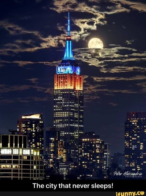 The City That Never Sleeps Ifunny In 2020 City Empire State Empire State Building
