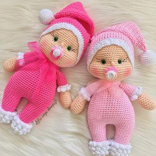Taa Bizim Evden Sesleniyorum Evinizden Huzur Bereket Bedeninizden Saglik Yureginizden Sevgi Eksik Olmasin Tig Isleri Orgu Amigurumi Oyuncak Bebek
