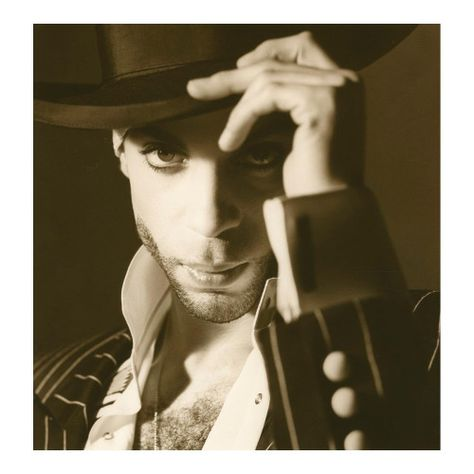 Prince Rogers Nelson died April 2016 at his home, Paisley Park. Another musical genius has gone.