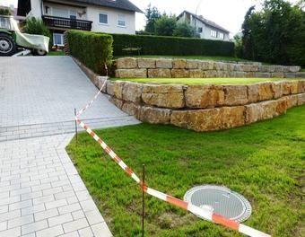 Garten Neu Gestalteter Garten Terrasse Burgersteig Rasen Innenhof Liegeplatz Garten Neu Gestalten Garten Hof Ideen