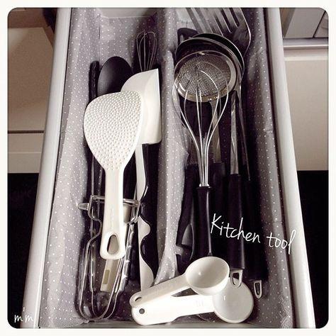 キッチン 収納 整理収納部 シンプル 白黒 などのインテリア実例