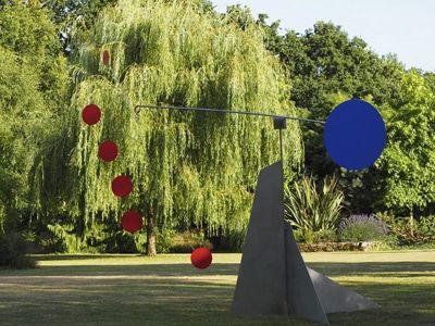 Creation De Stabiles Et Mobiles De Jardin Sculptures Jardin Stabilemobile Sculpture Jardin Sculpture Archange