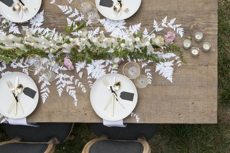 cutout ferns mixed with florals for a runner // #entertaining #tabletop