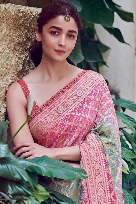 Alia Bhatt's Indian Looks From Kalank Promotions | Monday Crush - Frugal2Fab