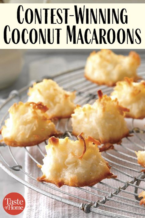 coconut macaroons that earned a first-place ribbon at the county fair.The coconut macaroons that earned a first-place ribbon at the county fair. Candy Recipes, Baking Recipes, Sweet Recipes, Holiday Recipes, Dessert Recipes, Coconut Recipes Easy, Christmas Cookie Recipes, Egg White Recipes, German Christmas Cookies