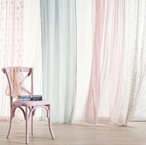 Geef je #slaapkamer een snelle make-over met de kant-en-klare #gordijnen van Kwantum.  www.wonen.nl/woonkamer/gordijnen/nieuws/kant-en-klaar-gordijn-van-kwantum