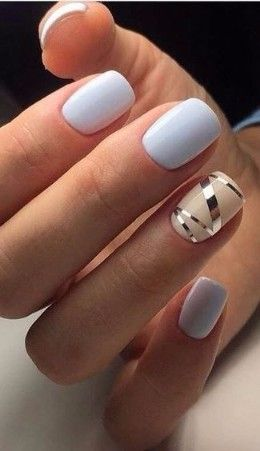 Floral Nail Art Design Gives Life To Your Nails By Adding White Polish On The Tips With Flower Details On Them Don T Forge Korotkie Nogti Modnye Nogti Nogti