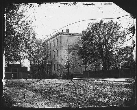 Honorable Jefferson Davis House at Richmond, Virginia. by The U.S. National Archives (Mathew Brady)