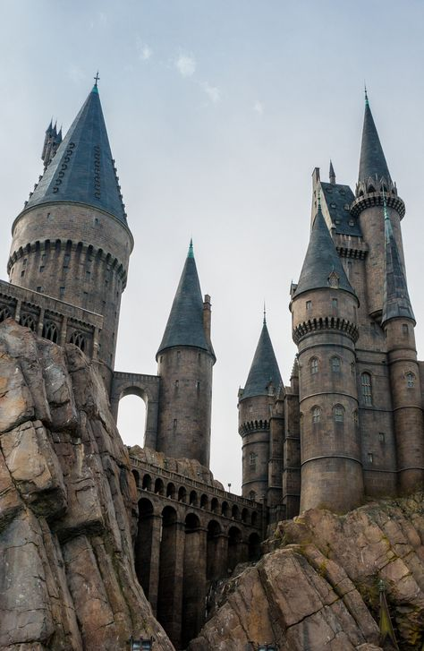 The Lazy Mom's Guide To Dominating Universal Studios Orlando Harry Potter Pictures, Harry Potter Tumblr, Harry Potter Fandom, Harry Potter World, Harry Potter Houses, Universal Studios Japan, Universal Orlando, Hogwarts Universal Studios, Orlando Studios