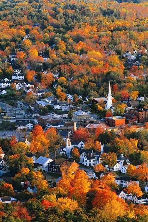 Aerial of Camden, Maine.One of my favorite places to visit. New England Fall, New England States, Maine New England, Best Places To Travel, Places To See, Aldea Global, Autumn Scenery, Rhode Island, New Hampshire