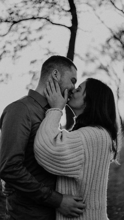 Gif, coupleshoot, love, kiss, monochrome, couplephotography, paarfotografie, schwarz weiß