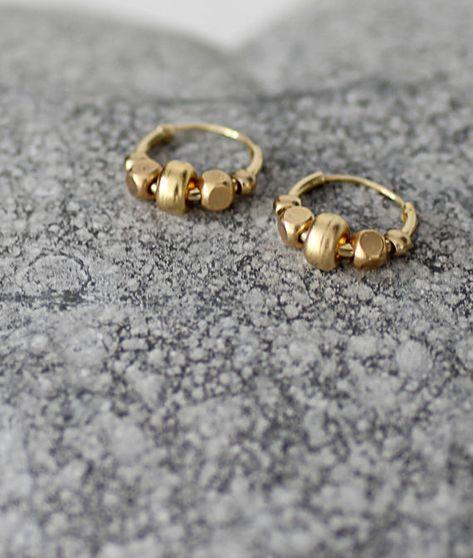 Piccoli orecchini di turchese naturale Piccoli orecchini ad anello in argento sterling