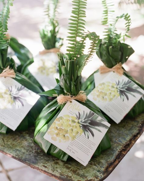 Welcome gifts were traditional pu'olo, which means bundle in Hawaiian. Little baskets wrapped in green Ti leaves and adorned with a flower contained local treats.