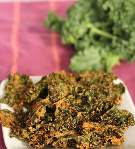 Cheesy Kale Chips 34 Cup Cashews 1 Bunch Kale Washed And Dried 12 Red Bell Pepper Stem And Seeds Removed Chopped In 2020 Kale Chip Recipes Kale Chips Vegan Snacks