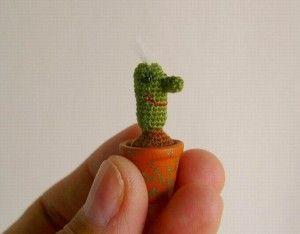 crocheted mini cactus