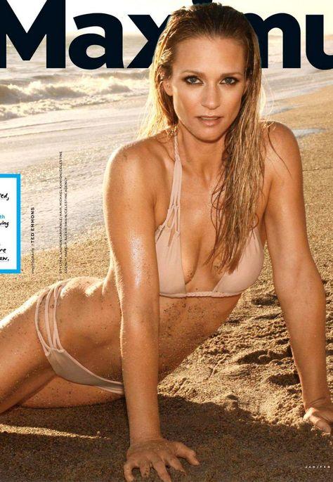 AJ Cook Bikini Sand Mxm   Criminal minds, Attrice, Serie tv