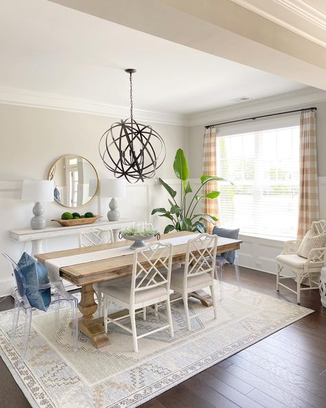 Dining Decor, Dining Room Design, Living Room Decor, Dining Chairs, Cottage Dining Rooms, Dining Room Walls, Ideas Terraza, Dining Room Inspiration, Side Chairs
