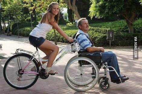 Truly a bicycle built for Imagine a beautiful bike ride with a loved one through a park like this. Looks like fun! A wheelchair bike is beautiful engineering. Bmx, Velo Tricycle, Adult Tricycle, Velo Cargo, Wheelchair Accessories, Mobility Aids, Tandem, Cool Bikes, Upcycle