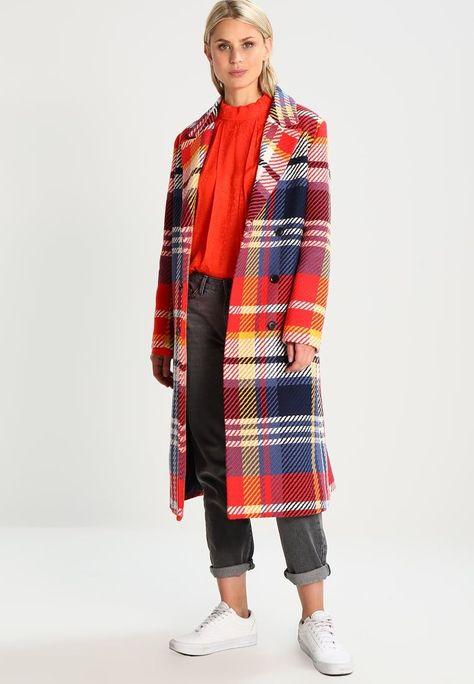 Cappotto colorato a quadri Mads Norgaard tendenze inverno 2018 ... d99d7efe88f
