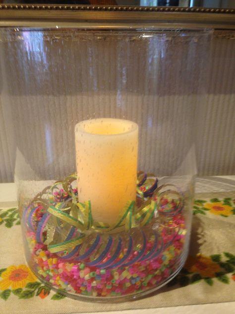 #vappu Suurenmoinen hurrikaani, somisteena hamahelmiä, serpentiiniä ja pienin LED-kynttilä.